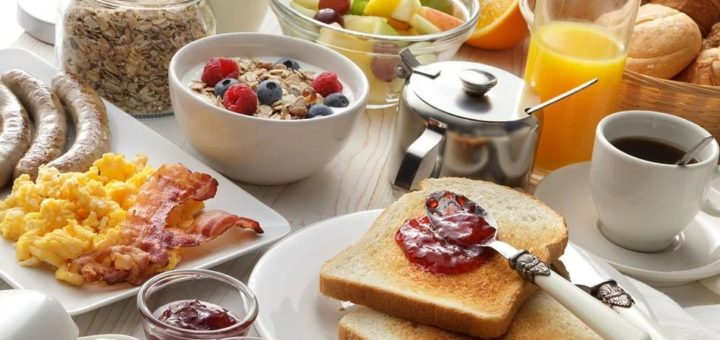 Nutricionista lista 7 motivos pelos quais o café da manhã é imprescindível